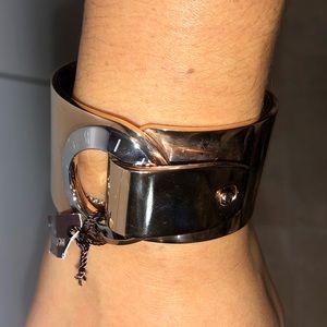 🆕Henri Bendel cuff bracelet - gold color